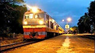 (Night trains in Vietnam) - Đoàn tàu hỏa về trong đêm thật đẹp