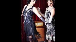 Glamorous 1920s Style Beaded Flapper Dresses