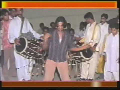 NeW Micheal Jackson iN PakSiTaNi SHaDi DhOL DaNcE