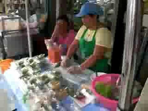 Bangkok–food sellers Rama IV Rd. east of Soi Ngam Duphli