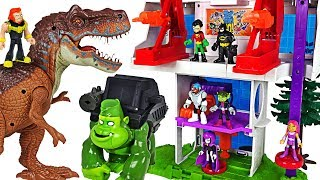 Teen Titans Go Tower! Go! Defeat the villain and dinosaurs with Batman! #DuDuPopTOY