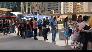 """American Idol"" auditions in Detroit - walking the huge line"