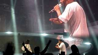 Rihanna Video - Drake - Take Care ft Rihanna LIVE @ Paris Bercy