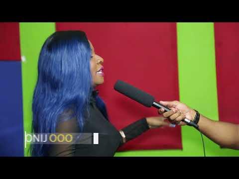 LADY JAY DEE : HUYU ASLAY MPAKA KWENYE GARI YANGU!! thumbnail
