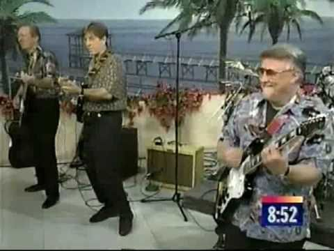 The VeNtuRes ~ SURF ON GUITAR MEDLEY 1997~ ( LIVE on the NEWS!! )