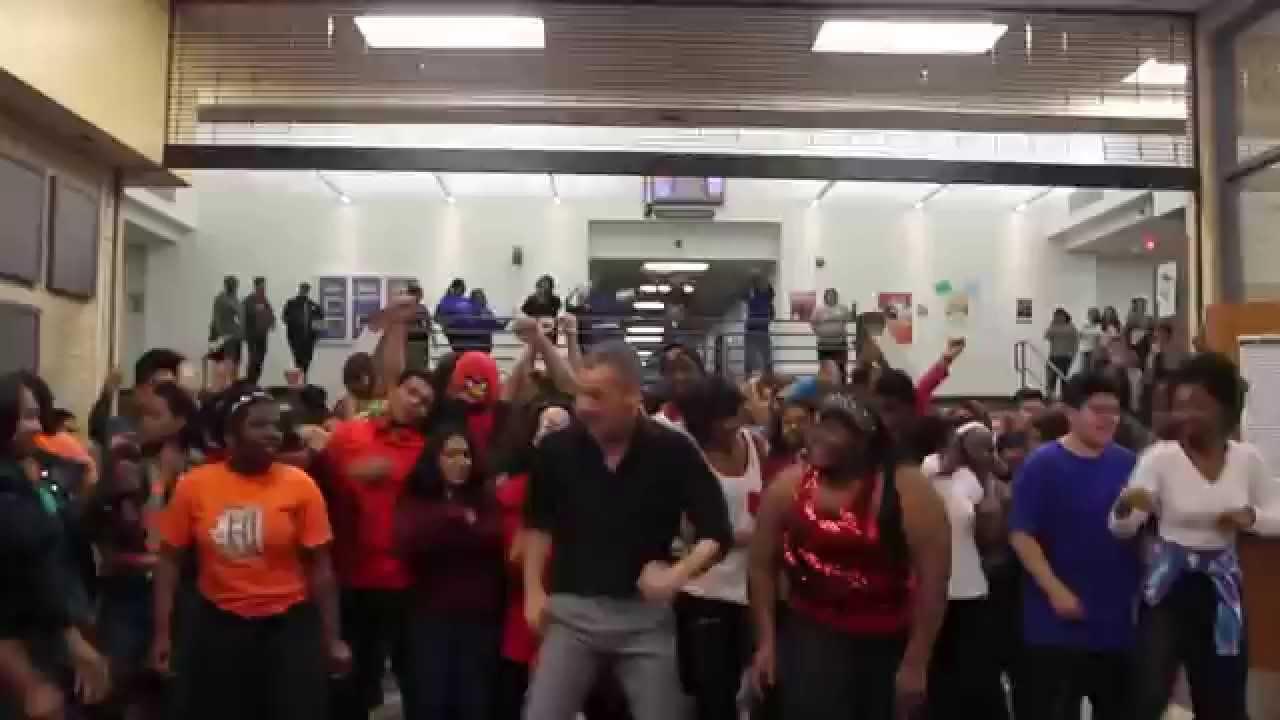 Maceo smith new tech high school uptown funk dance youtube