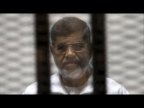 Egypt court postpones Morsi spying verdict for second time