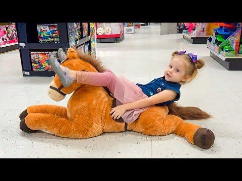 Шоппинг в магазине игрушек с любимой куклой Видео для детей от Лайк настя