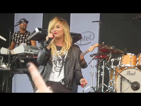Demi Lovato - Something That We're Not @ Microsoft Opening -Burlington, MA
