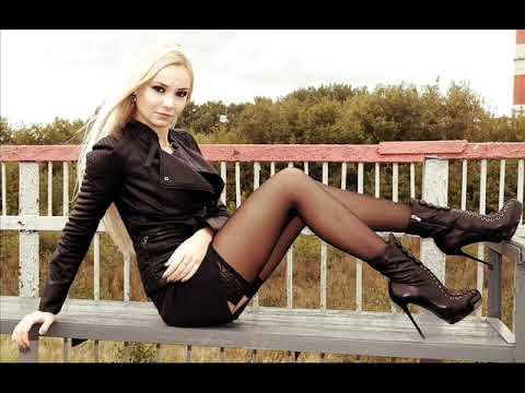 Красивые девушки, короткие юбки, чулки и высокие каблуки.Sexy Girls45