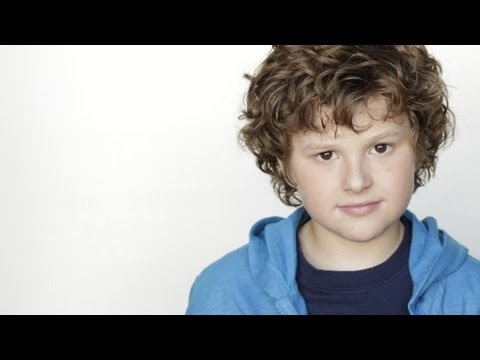 Is MODERN FAMILY's Nolan Gould a Prop Bandit?? - SPECIAL PROGRAMMING