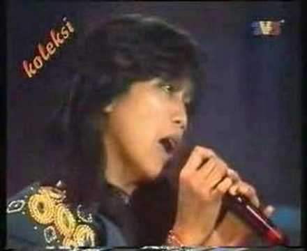 Di Antara Gadis - DINAMIK (Juara Lagu 91