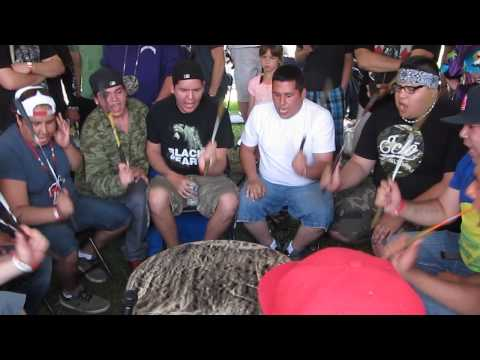 Black Bear Singers   Odawa 2014