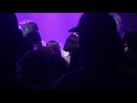 Download  Bradford Cox starts dialogue with heckler during Deerhunter show Gratis, download lagu terbaru