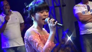 "download lagu Lagu Fenomenal Lesti ""bangbung Hideung"" Karawang Creative Night Season gratis"