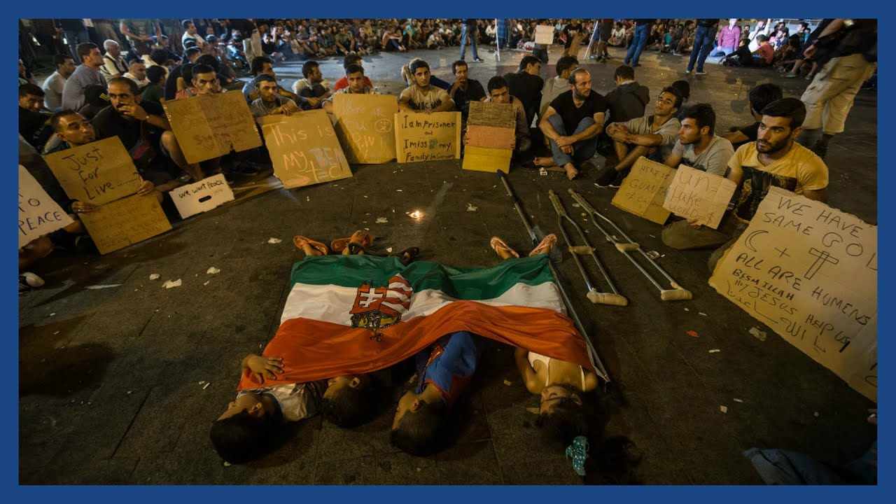 Refugee crisis in Hungary: how thousands spend the night at Keleti station