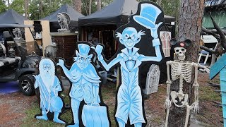 A Little Home Vlog, Halloween Decorations At Disney's Fort Wilderness & Dinner at Trail's End!