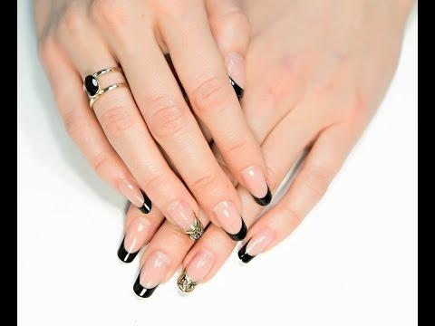 Дизайн ногтей золотой с черным френч