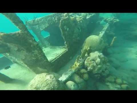 Snorkeling Tugboat Caracas bay  Curacao