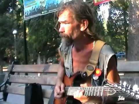 Родион Шинкарёв играет рок в Форосе. Супер талант!
