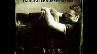 Watch Tiziano Ferro Ti Scattero Una Foto video