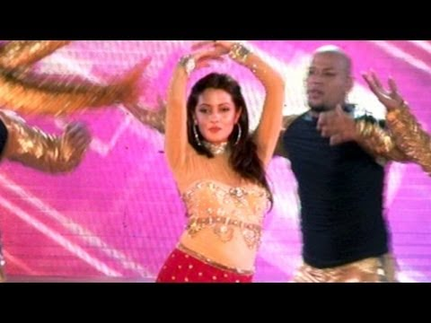 Anarkali Disco Chali LIVE Performance By Riya Sen!