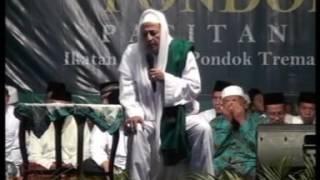 Habib Luthfi Bin Yahya pada Khoul Masyayih Pondok Tremas di Kebonsari Pekalongan