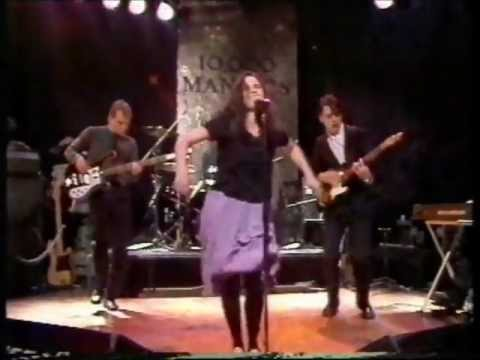 10,000 Maniacs - Cant Ignore The Train