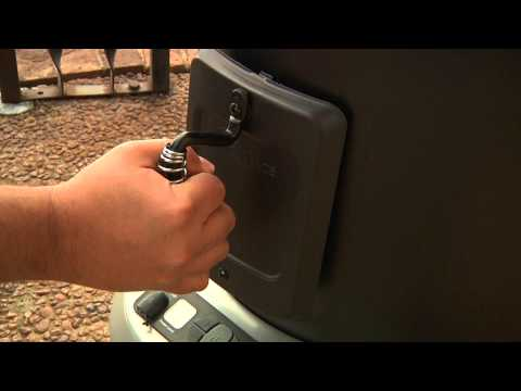 Using The Smoker Box - Char-Broil TRU-Infrared Big Easy 2-in-1 Electric Smoker &amp; Roaster