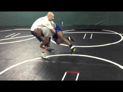 FREESTYLE WRESTLING - Crotch Throw Image 1