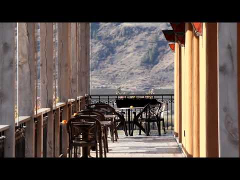 James Cluer in the Okanagan Valley BC, Canada. Places to stay.