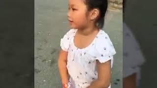 Bé Kim Ngân đi chơi công viên p1