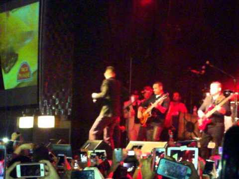 Mi niña traviesa by Luis Coronel en Aragon Music Hall pharr texas