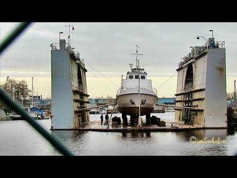 passenger ship JENS ALBRECHT DJDA IMO 5244156 Emden Passagierschiff floating dock Schwimmdock
