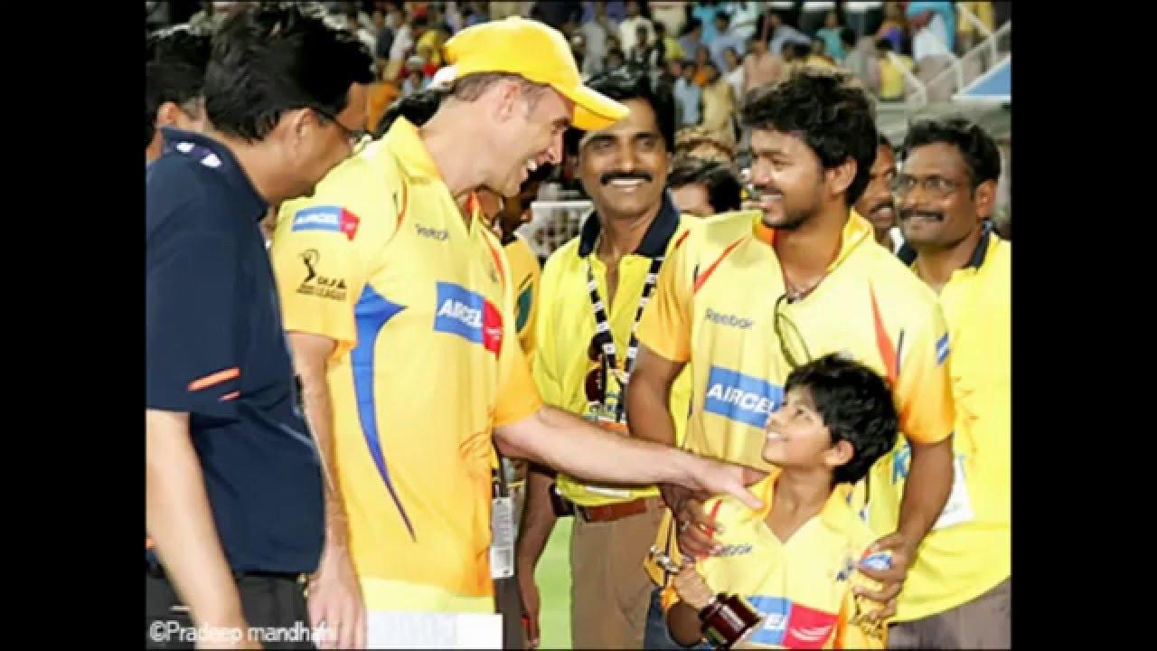 Ilayathalapathy Vijay(South - Indian Actor ) cheering for CSK & MSD ...