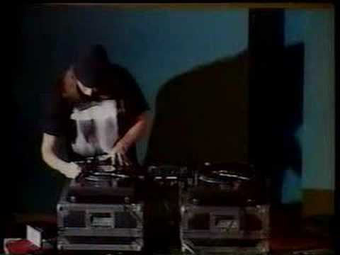 DJ Swamp DMC routine from 1996