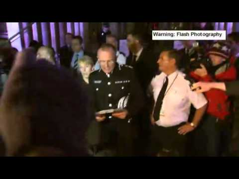 Mark Duggan Inquest: Senior Met Police Officer Heckled