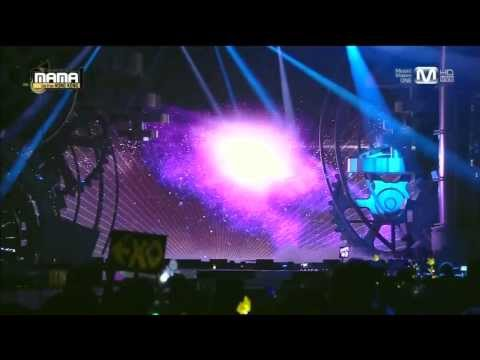 비(rain) - 태양을 피하는 방법(how To Avoid The Sun) + It's Raining + Hip Song At 2013 Mama video