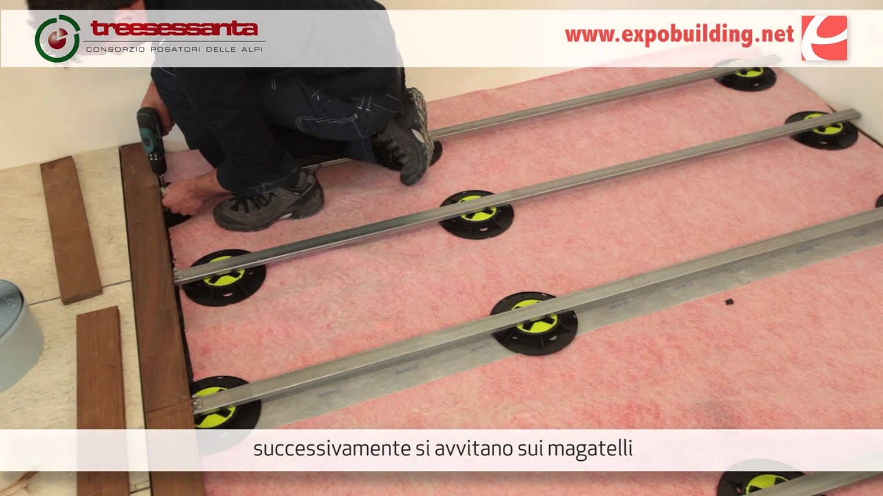 Posa del pavimento decking in legno da esterni youtube for Pavimento wpc leroy merlin