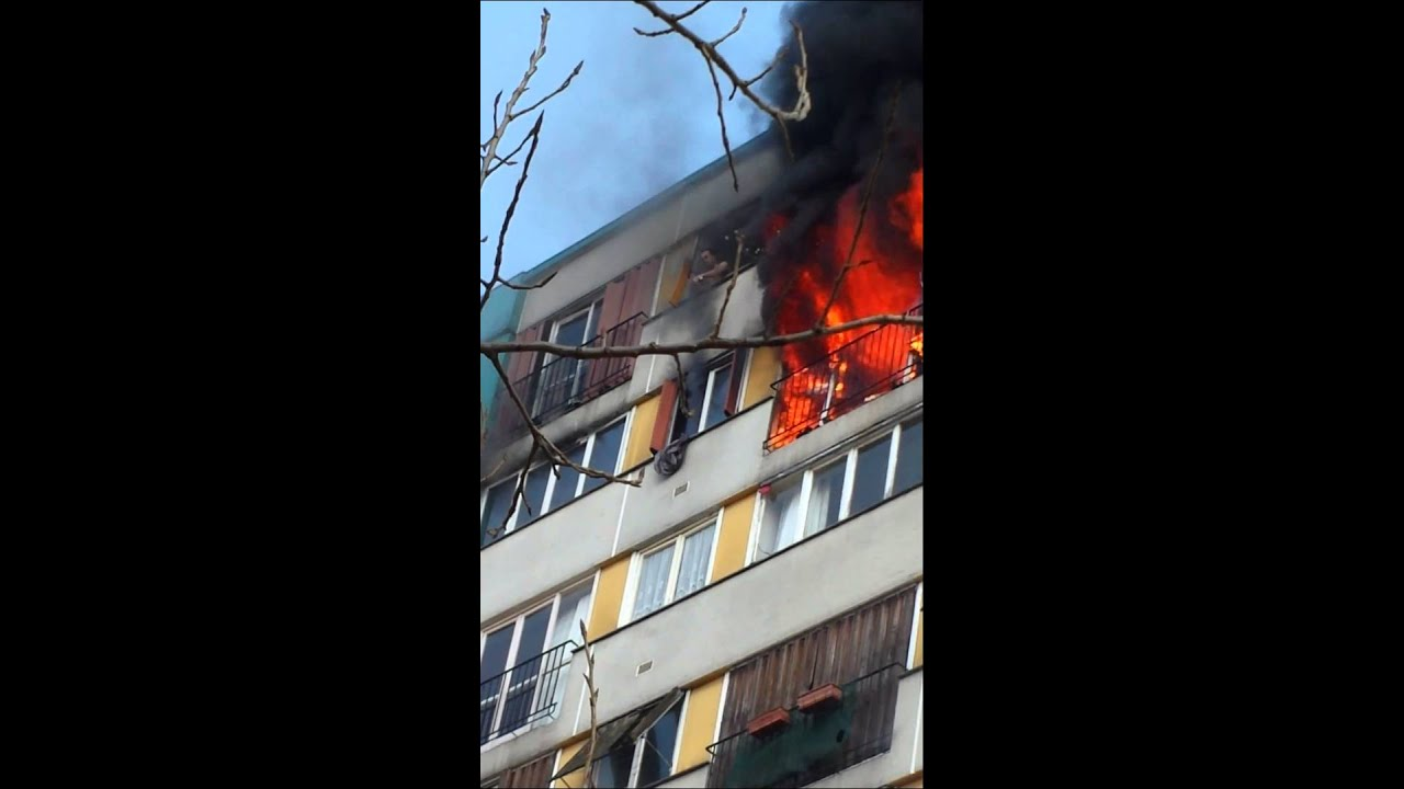 un incendie de feu a clichy sous bois 2 2 youtube. Black Bedroom Furniture Sets. Home Design Ideas
