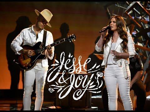 Yo Vengo a Ofrecer Mi Corazón- Jesse y Joy