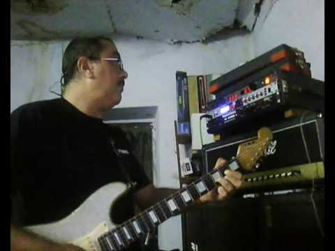 Marshall jcm900 (real)  vs Marshall jcm900 (modeled by Digitech GSP1101)