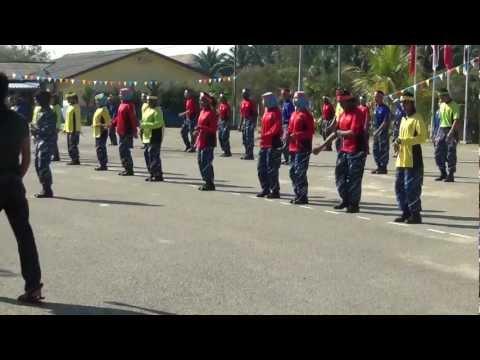 Tarian Senam Seni Plkn Karisma video