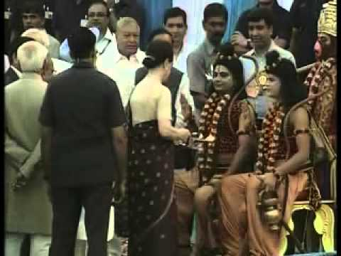 Prez, Vice Prez, PM and UPA Chief greet nation on Dussehra