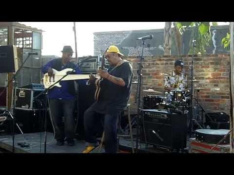 Leo Nocentelli, Bill Dickens and Jamal Batiste @ 2011 Jazz Fest crawfish boil