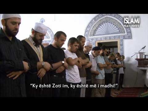Namazi i natës ! - Xhamia e Madhe në Prishtinë..