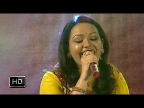 Dhwani 2014 - Jyotsna Sings The Song Ponveene Ennullil video