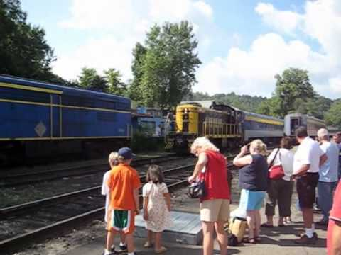 NY&LE 308 Alco S1 former Erie & EL 308 switching at Gowanda, NY Part 2