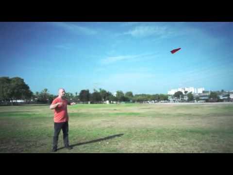 Notícias - PowerUp Produzindo Aviões de Papel Motorizados