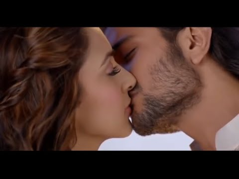 Kiara Advani Kissing In Machine | Full Hd | 1080p | Kiara First Kiss | Cute Kiss | Love Scene